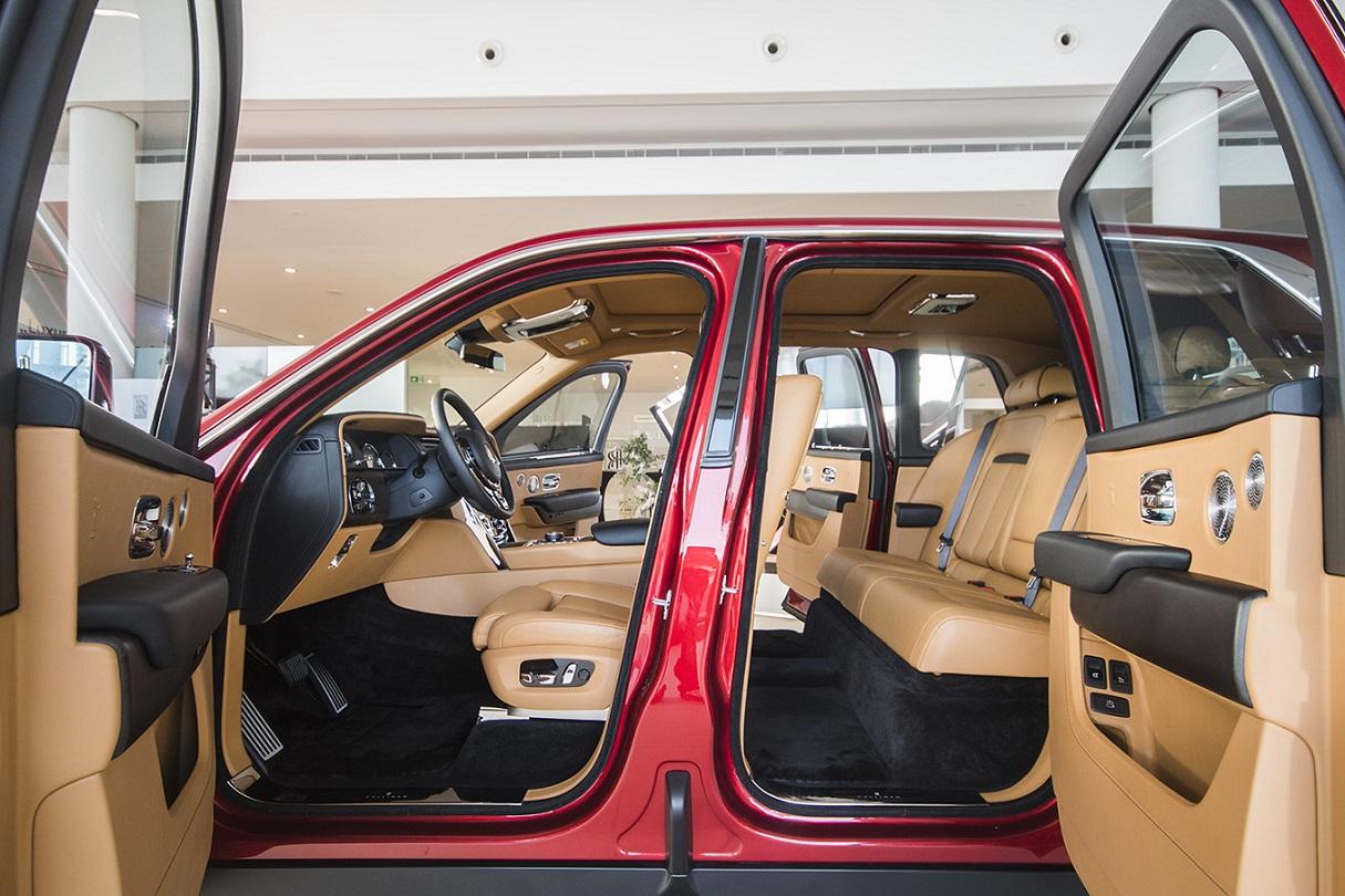 Rolls-Royce Cullinan - wnętrze
